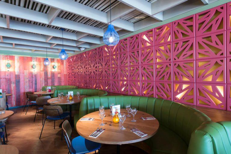Restaurant interior Las Iguanas